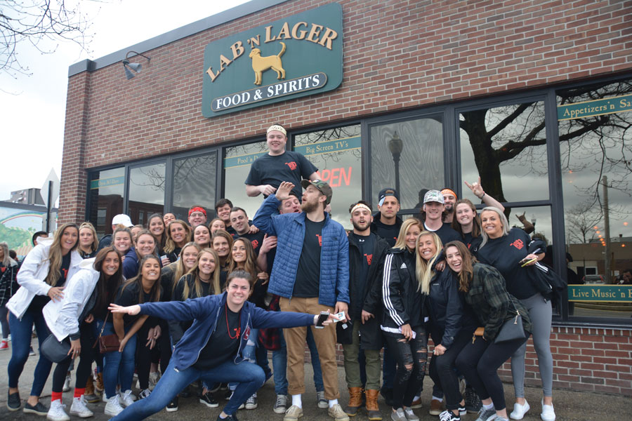 On Sunday, April 29, Keene State College seniors participated in Pub Crawl. For the event, members of the senior class broke into teams and went to six bars that are in the city of Keene. The event lasted from noon until 7:00 p.m.